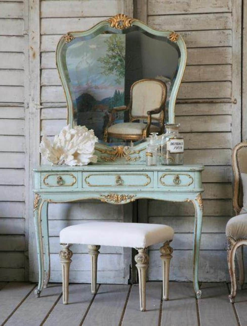 Image of: Antique Bedroom Vanity Paint