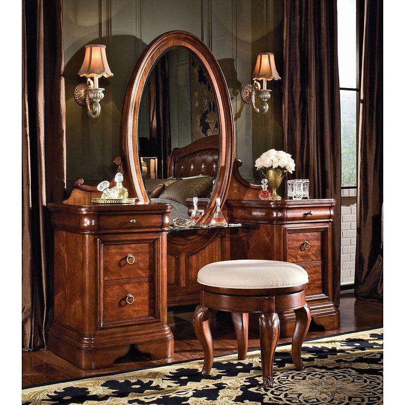 Picture of: Antique Bedroom Vanity Wood