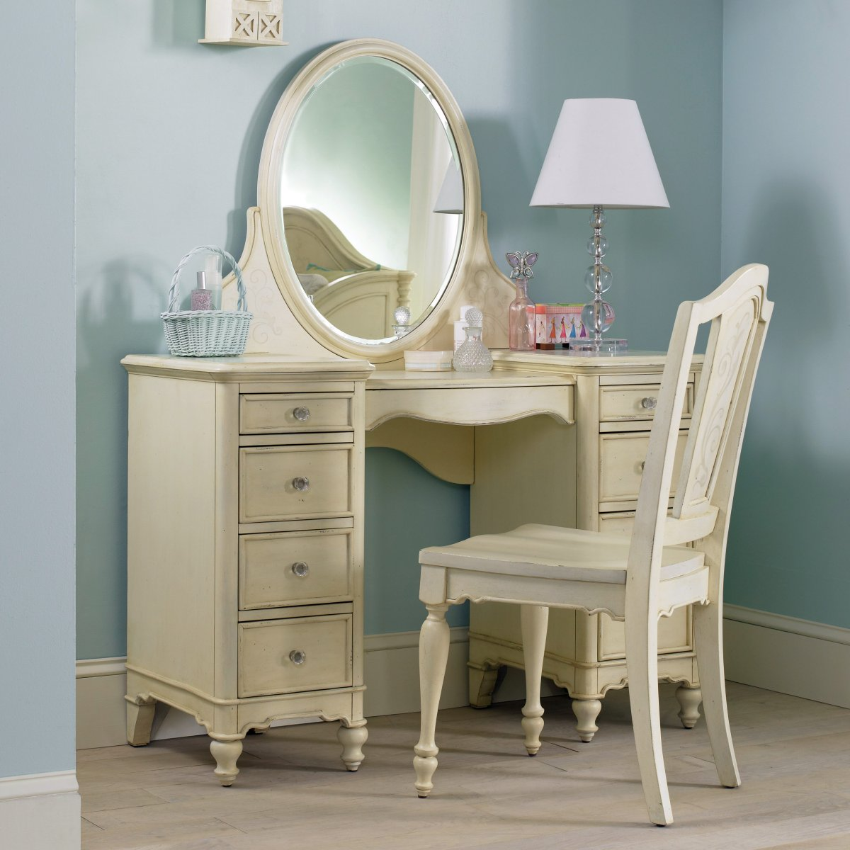 Image of: Antique Bedroom Vanity Wooden