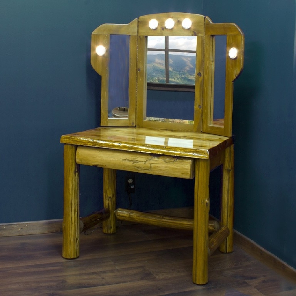 Picture of: Antique Vanity Set With Lights