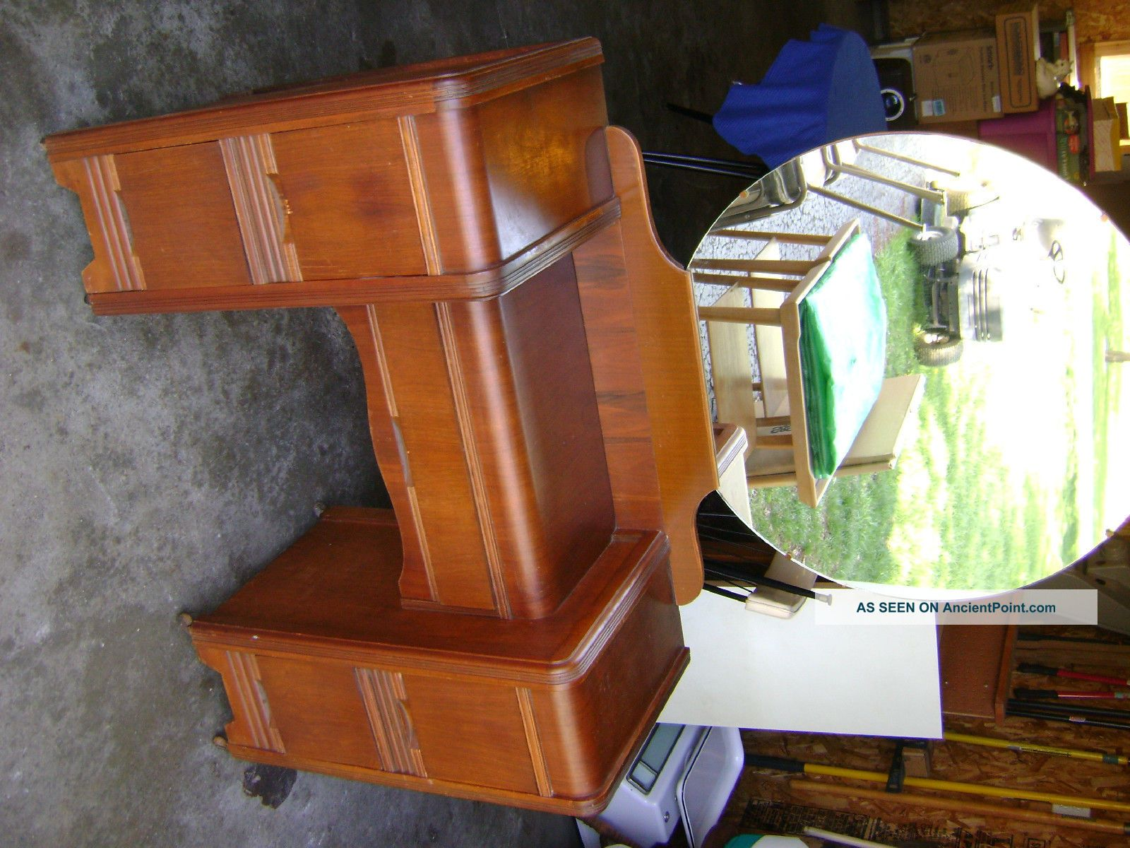 Image of: Antique Vanity with Mirror and Chair