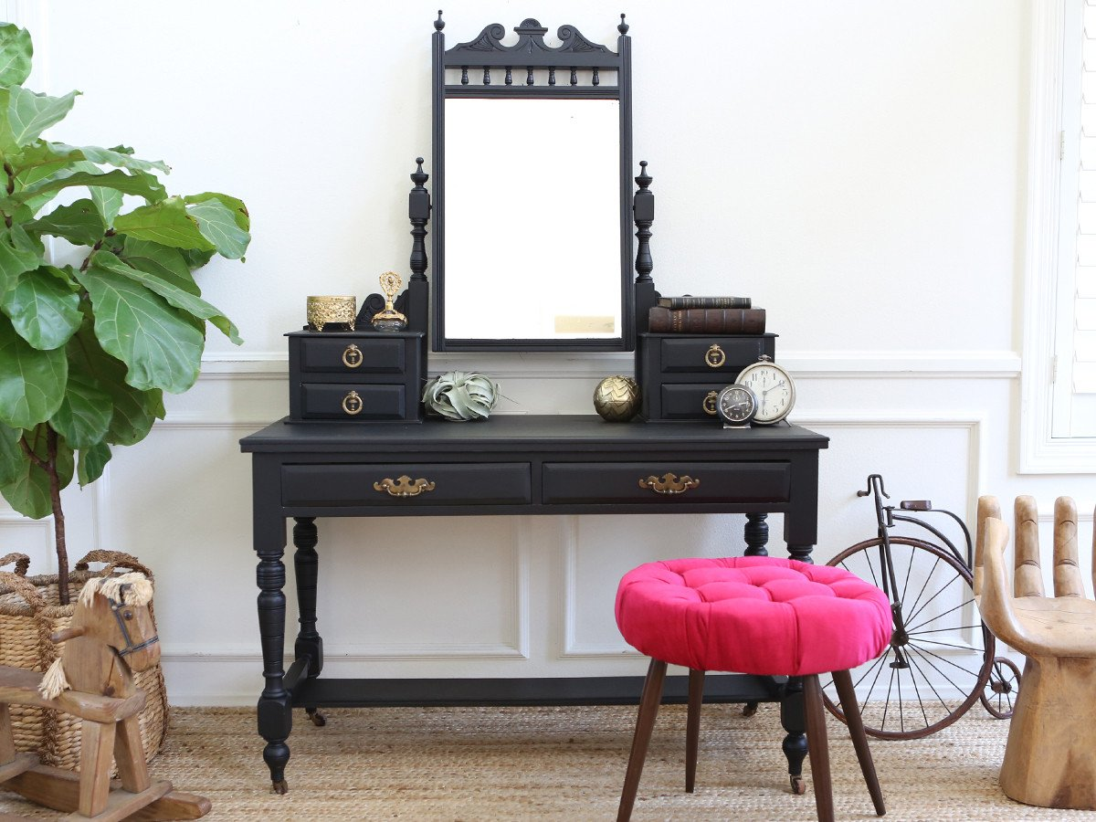 Image of: Antique Vanity with Mirror and Drawers