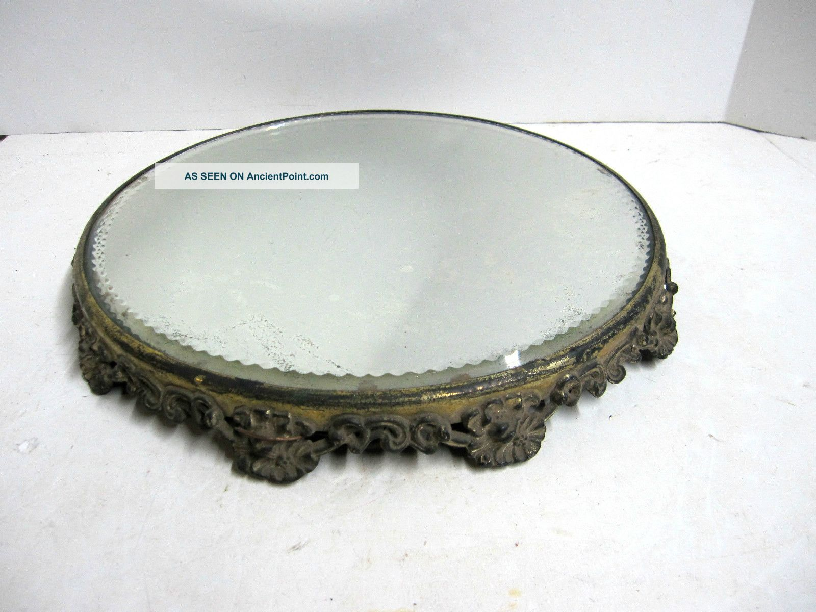Picture of: Art Deco Mirrored Vanity Tray