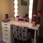 Beautiful Vanity Table With Lights