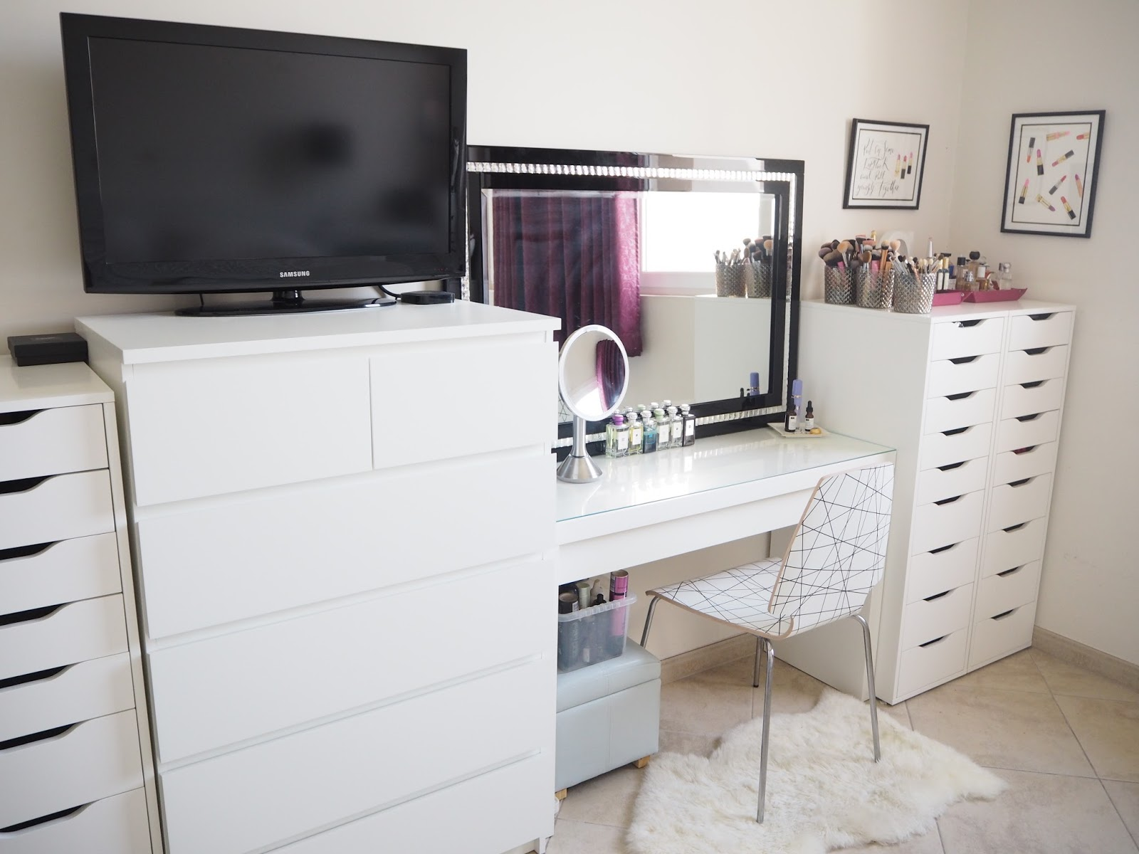 Picture of: Bedroom Makeup Vanity Storage