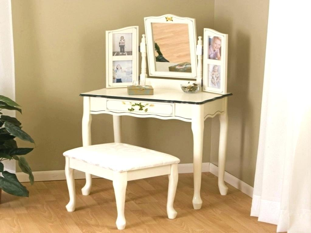 Image of: Bedroom Vanity IKEA Ideas