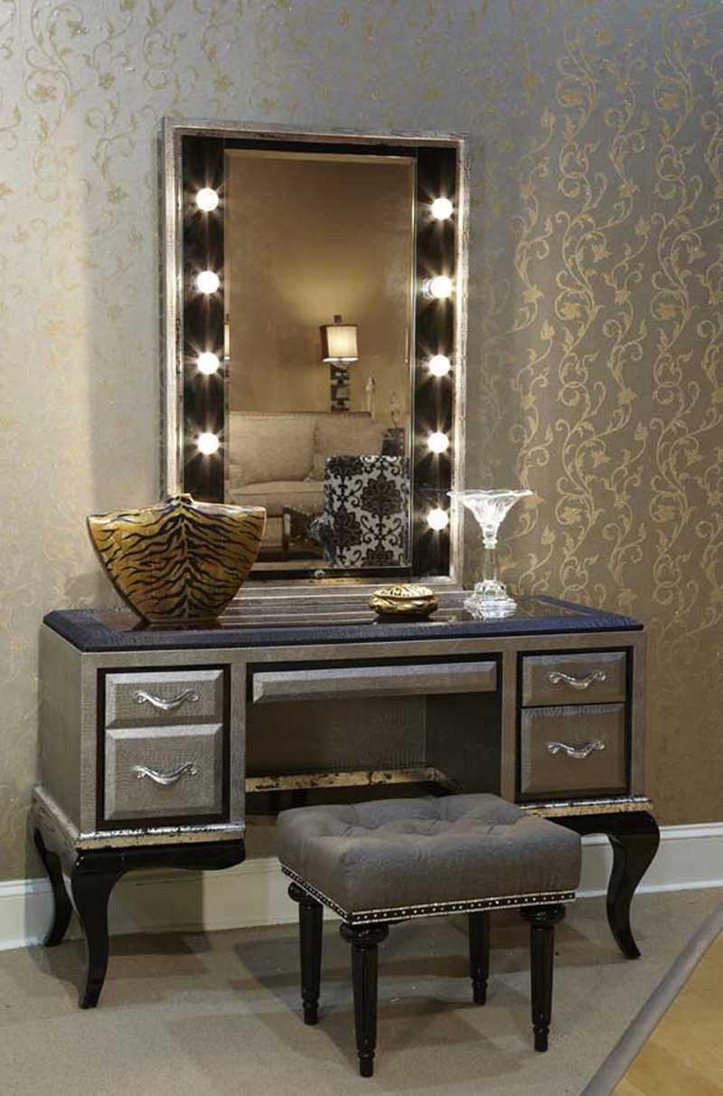 Picture of: Bedroom Vanity Set With Mirror