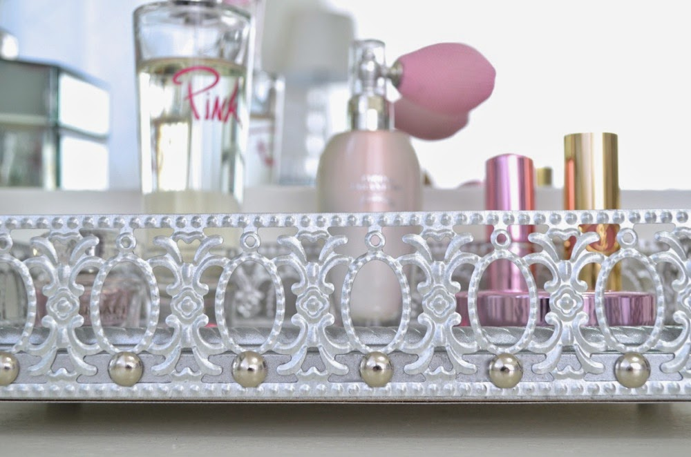 Image of: Brass Mirrored Vanity Tray