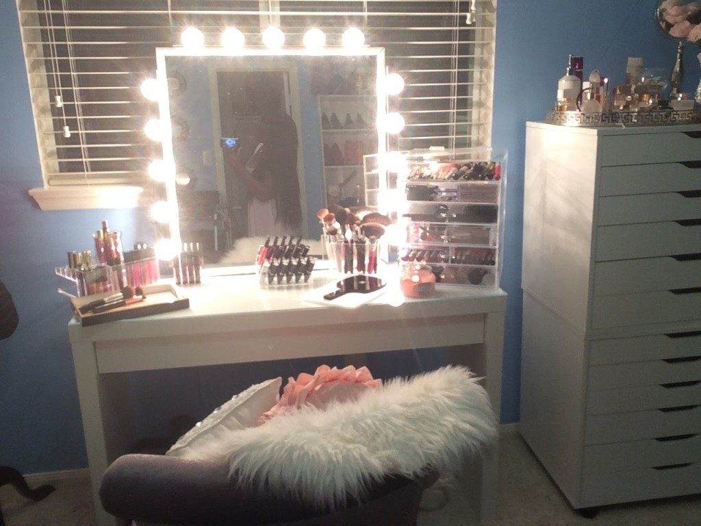 Picture of: Butterfly Vanity Mirror With Lights