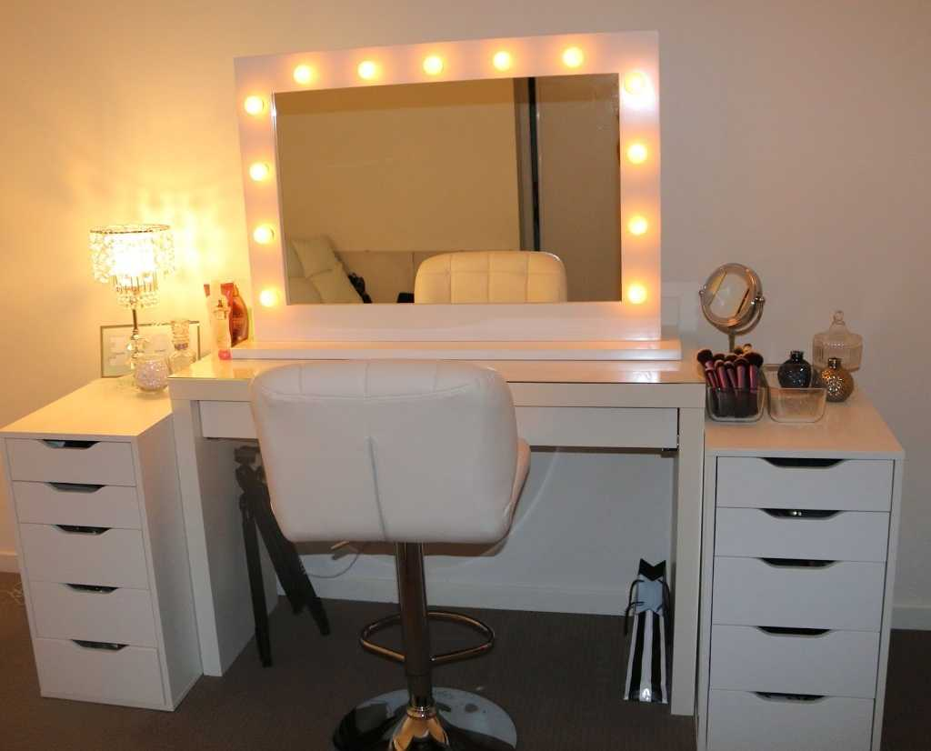 Picture of: Cheap Vanities for Bedroom with Lights