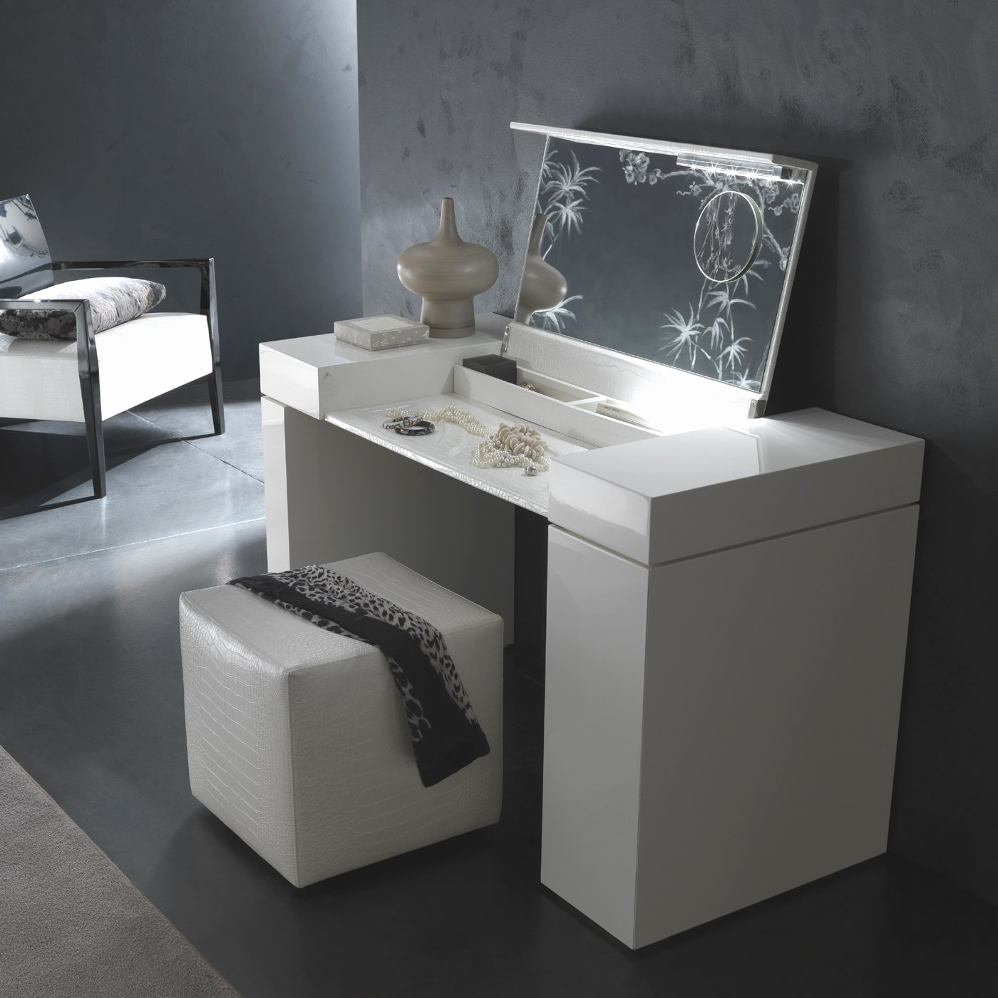 Picture of: Cool Bedroom Vanity Desk