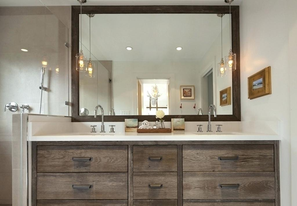 Image of: Custom Rustic Bathroom Vanities