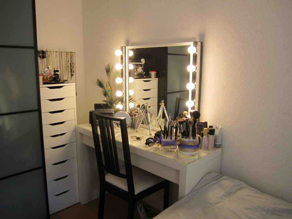 Picture of: DIY Vanities for Bedroom with Lights