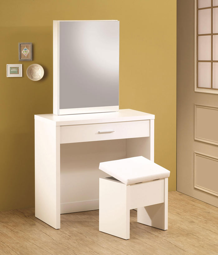 Picture of: Easy White Bedroom Vanity