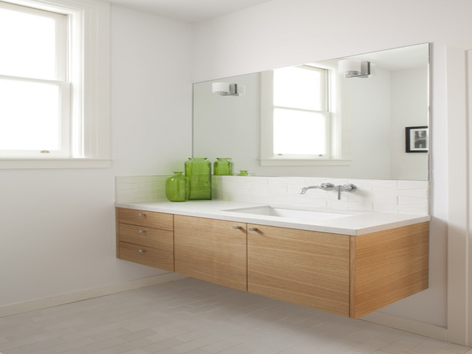 Image of: Floating Bathroom Vanity Contemporary