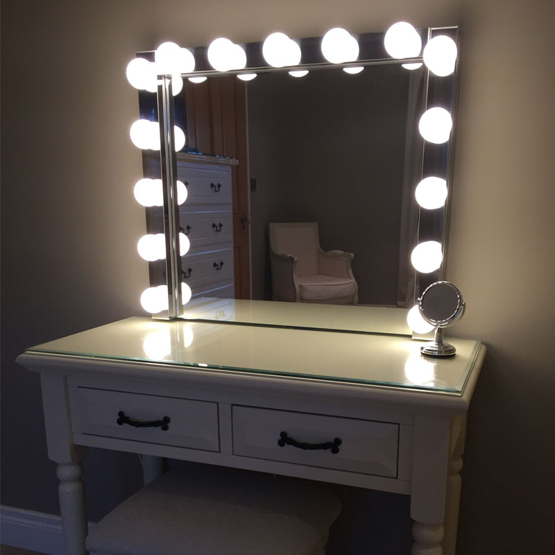 Picture of: Hollywood Vanity Mirror Bulbs