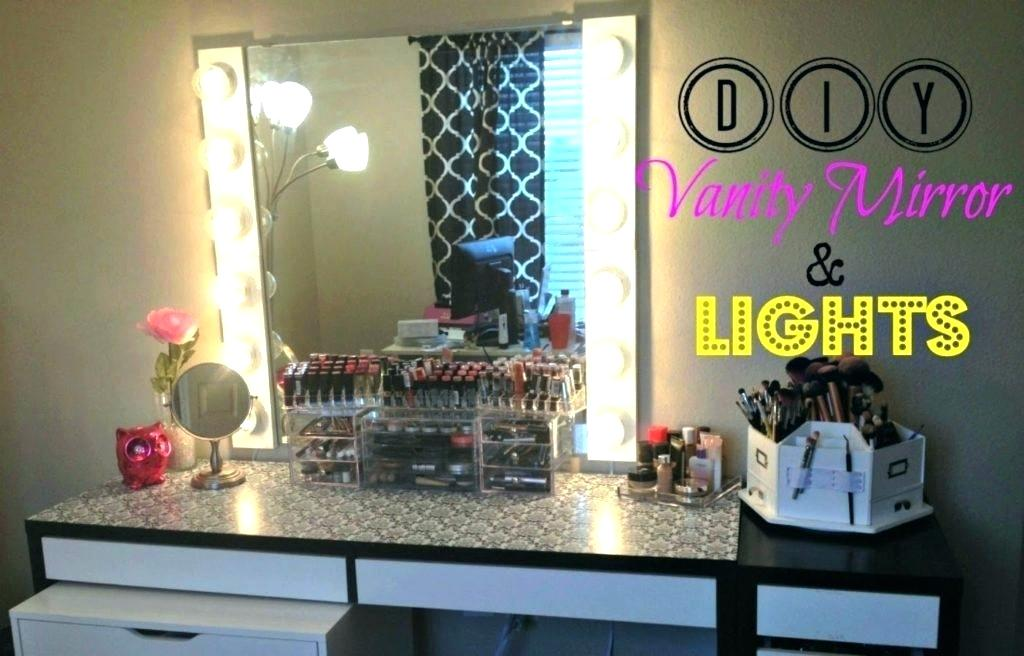 Picture of: Hollywood Vanity Mirror with Light Bulbs DIY