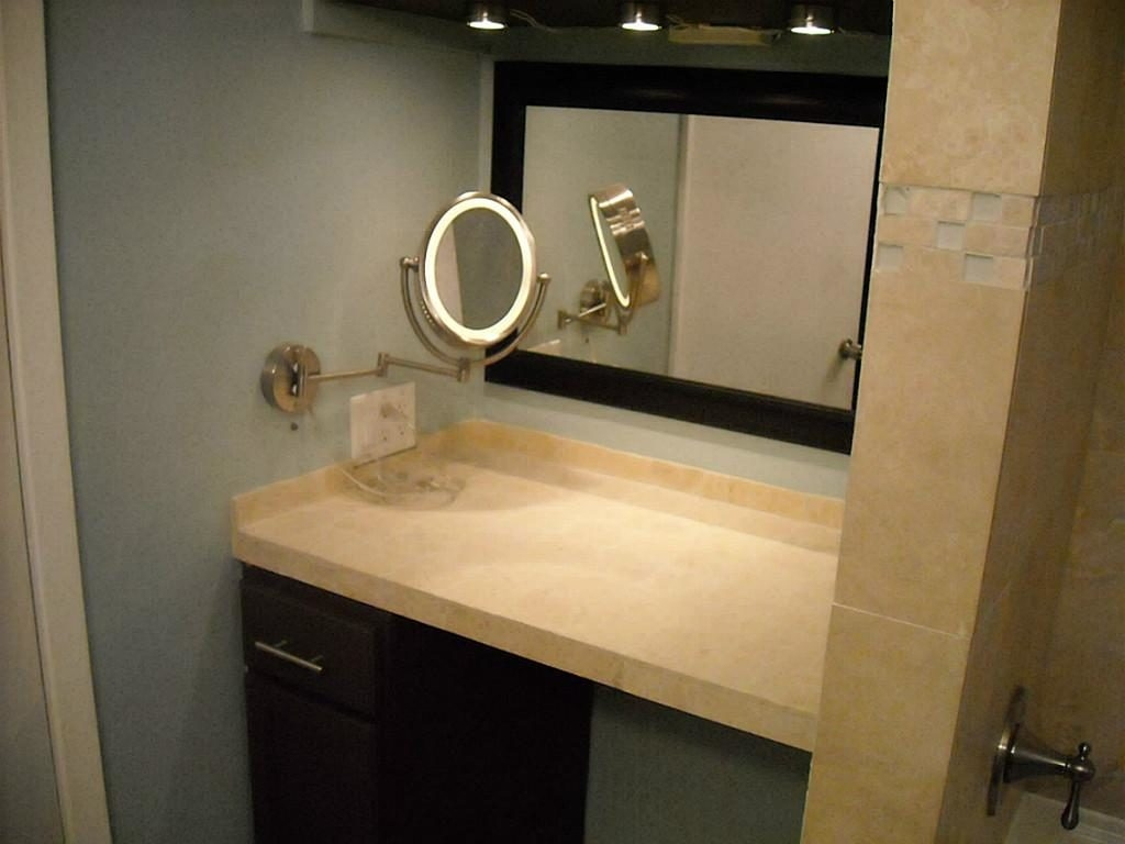 Picture of: Home Vanity Mirror With Lights
