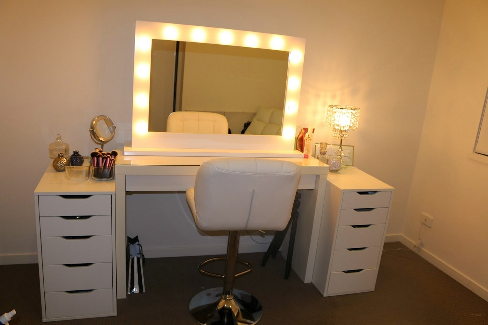 Picture of: Ideas Vanity Desk with Mirror