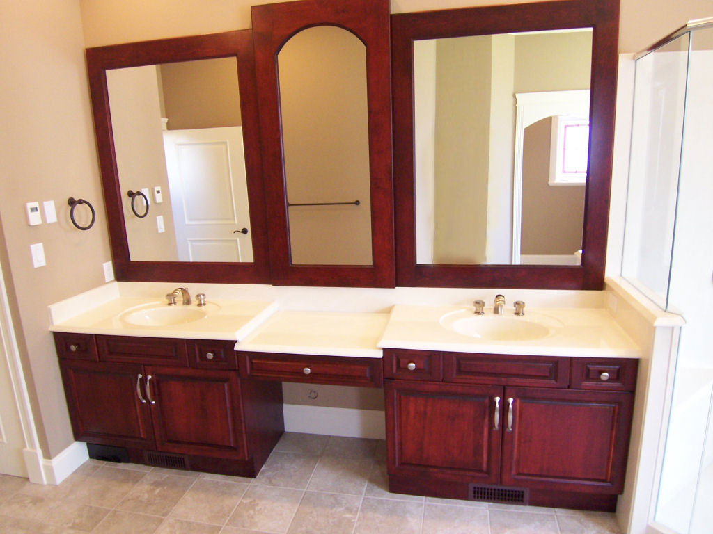 Image of: Lovely White Double Vanity