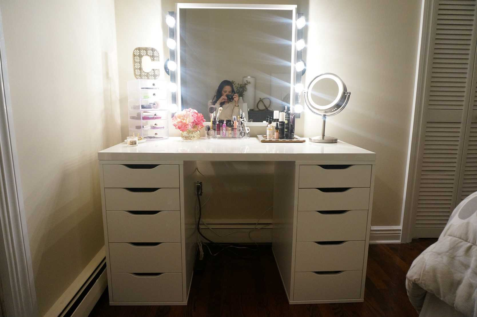 Image of: Makeup Vanity Mirror With Lights for Sale