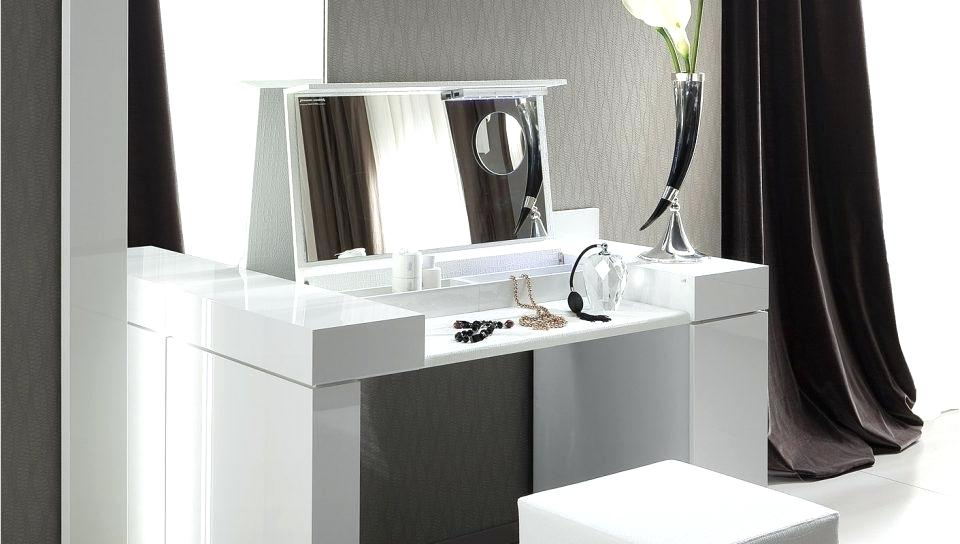 Picture of: Mid Century Modern Bedroom Vanity