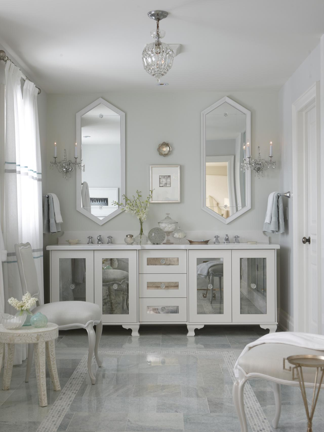 Image of: Mirrored Double Vanity