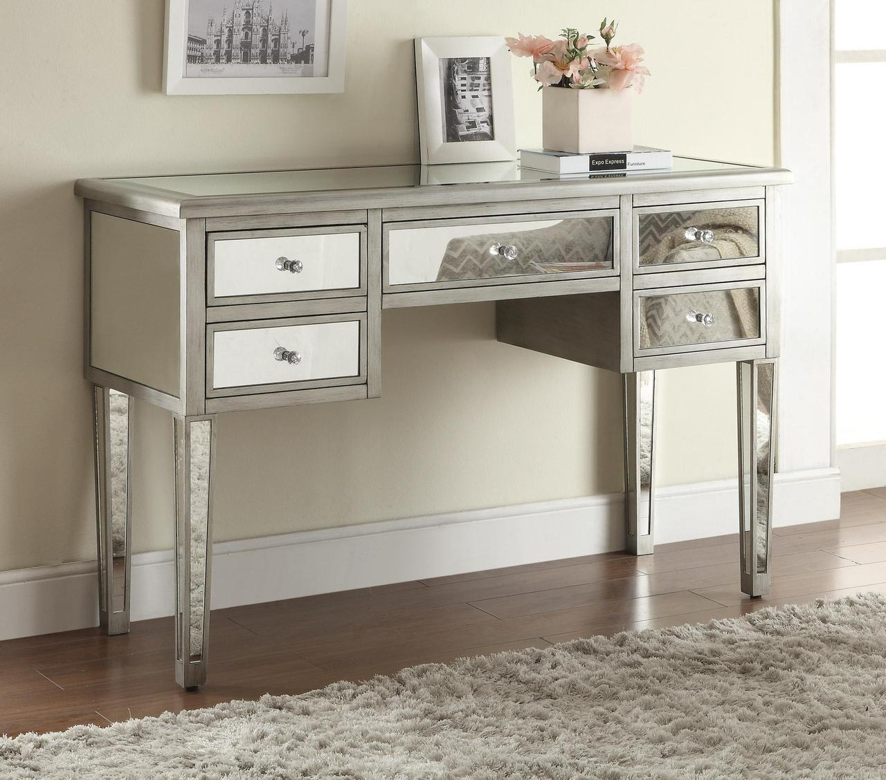 Image of: Mirrored Vanity Table Benefit