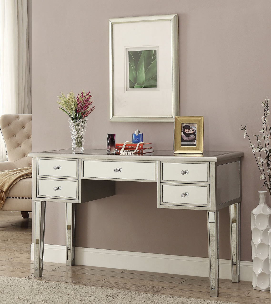 Image of: Mirrored Vanity Table Cost