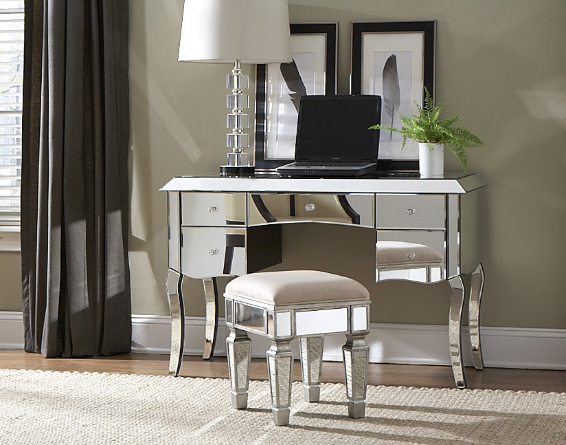 Image of: Mirrored Vanity Table and Chair