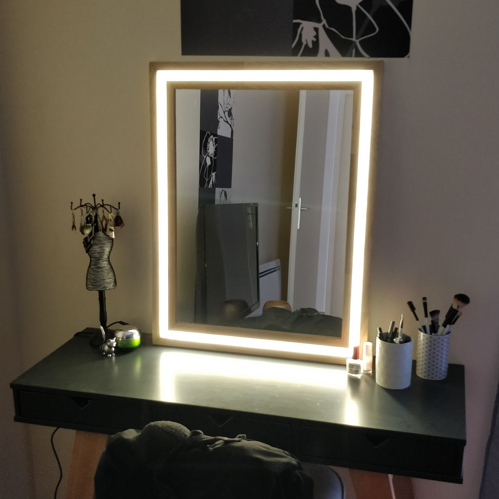 Picture of: Modern LED Vanity Mirror