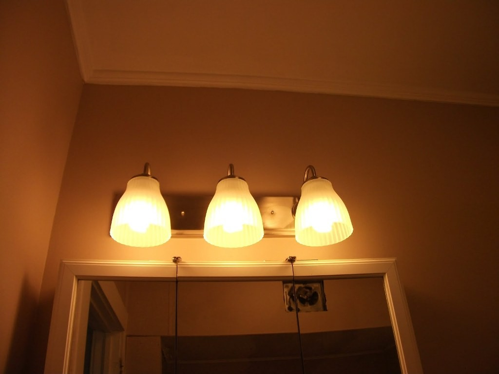 Image of: Outstanding Vanity Lights