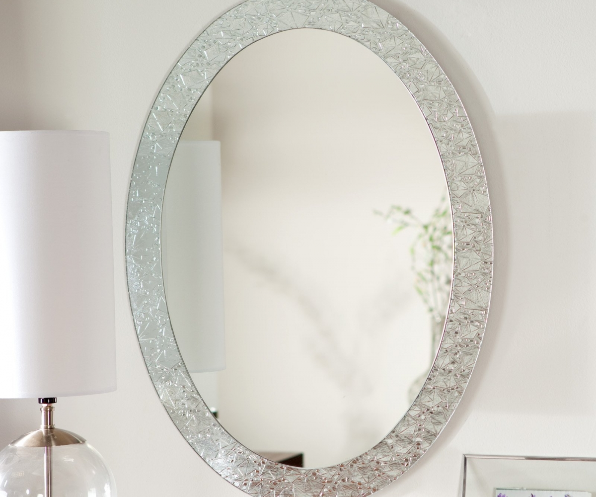 Image of: Oval Vanity Mirror Decoration