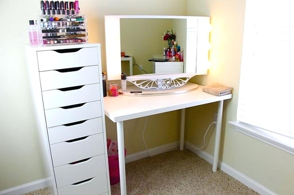 Image of: Painting A Bedroom Vanity IKEA