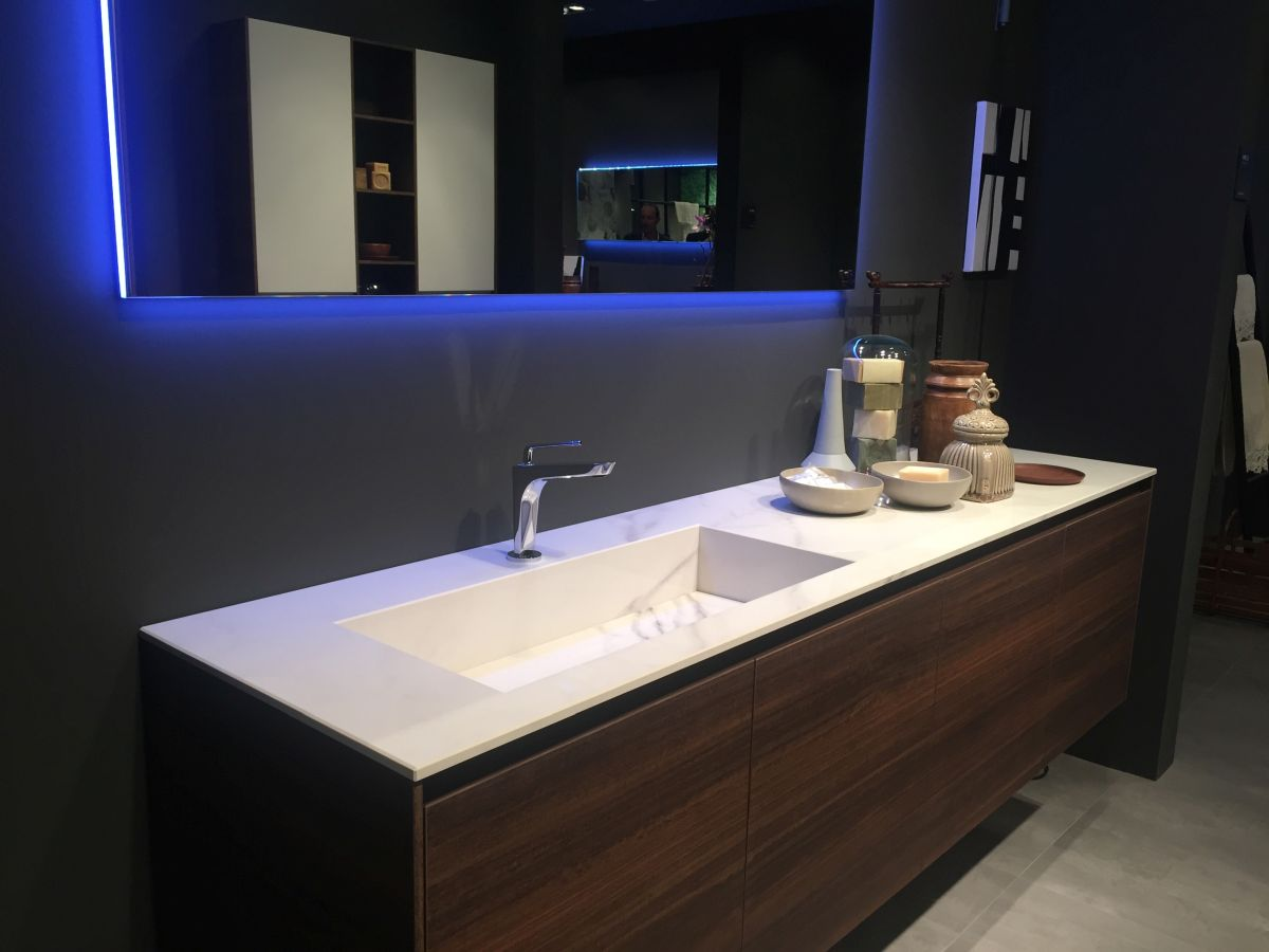 Image of: Perfect Modern Bathroom Vanities