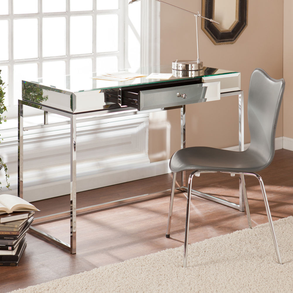 Image of: Premium Mirrored Vanity Table
