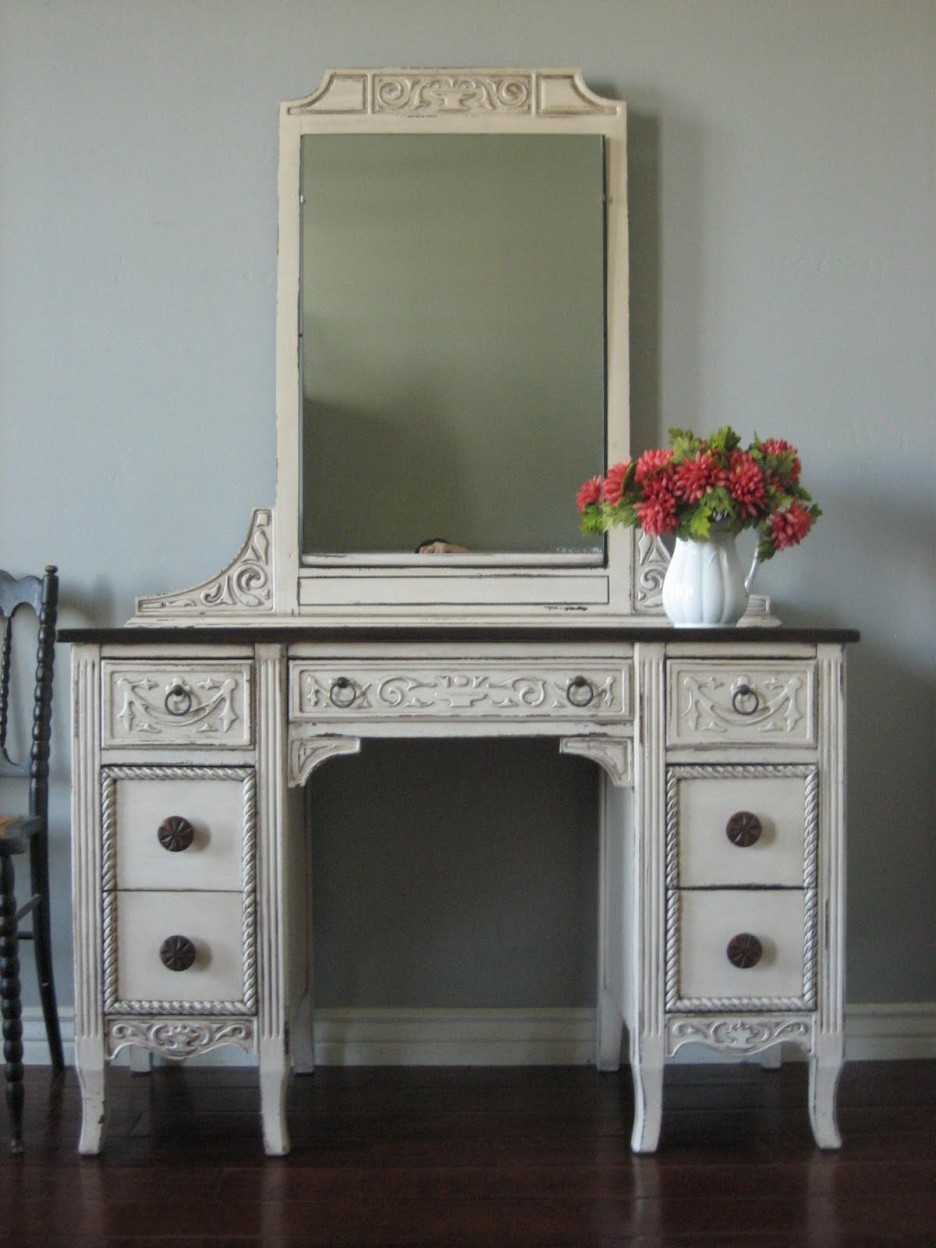 Picture of: Review Bedroom Vanity Mirror
