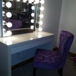 Simple Hollywood Vanity Mirror With Lights