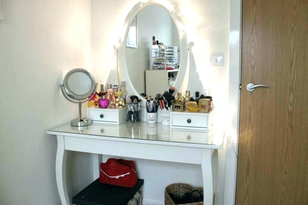Image of: Small Bedroom Vanity Table