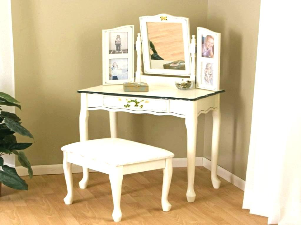 Picture of: Small Bedroom Vanity for Sale