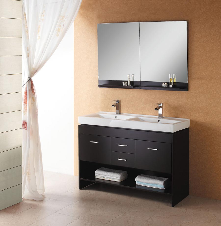 Image of: Small Double Vanity Bathroom