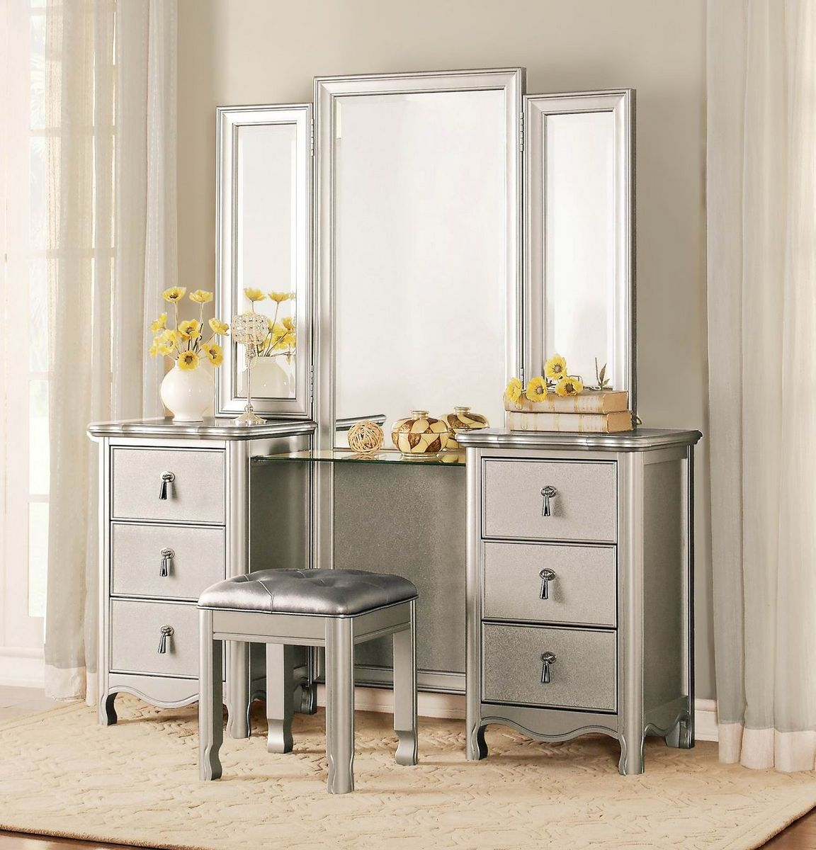 Picture of: Used Vanity with Mirror