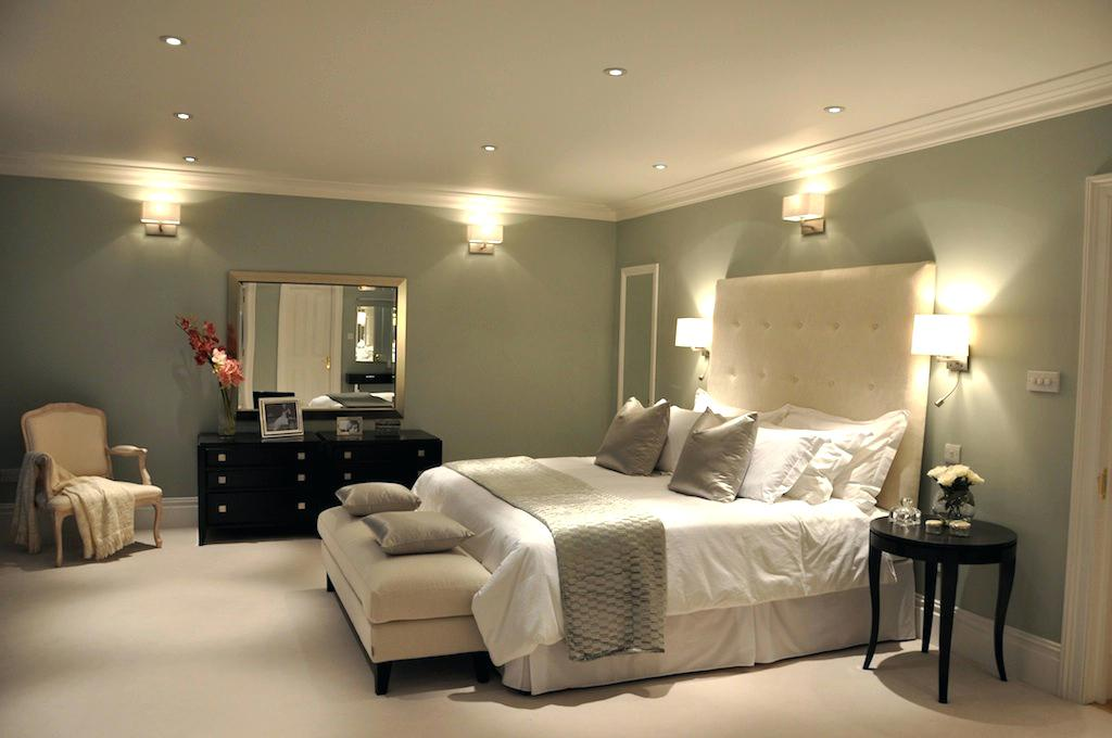 Picture of: Vanities for Bedroom with Lights Cheap