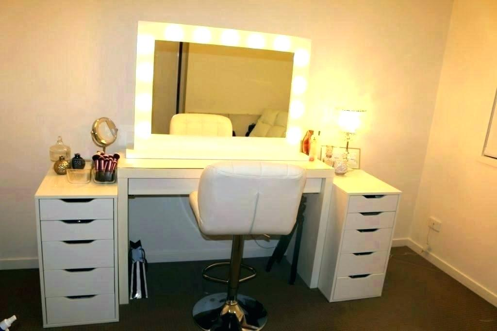 Picture of: Vanities for Bedroom with Lights Ideas