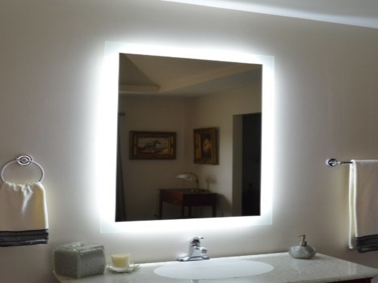 Picture of: Vanity Mirror With Led Lights Mounted