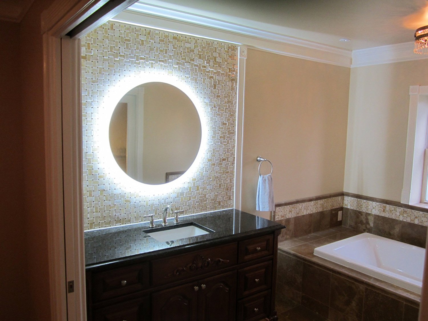 Image of: Vanity Mirror With Lights Diy Round