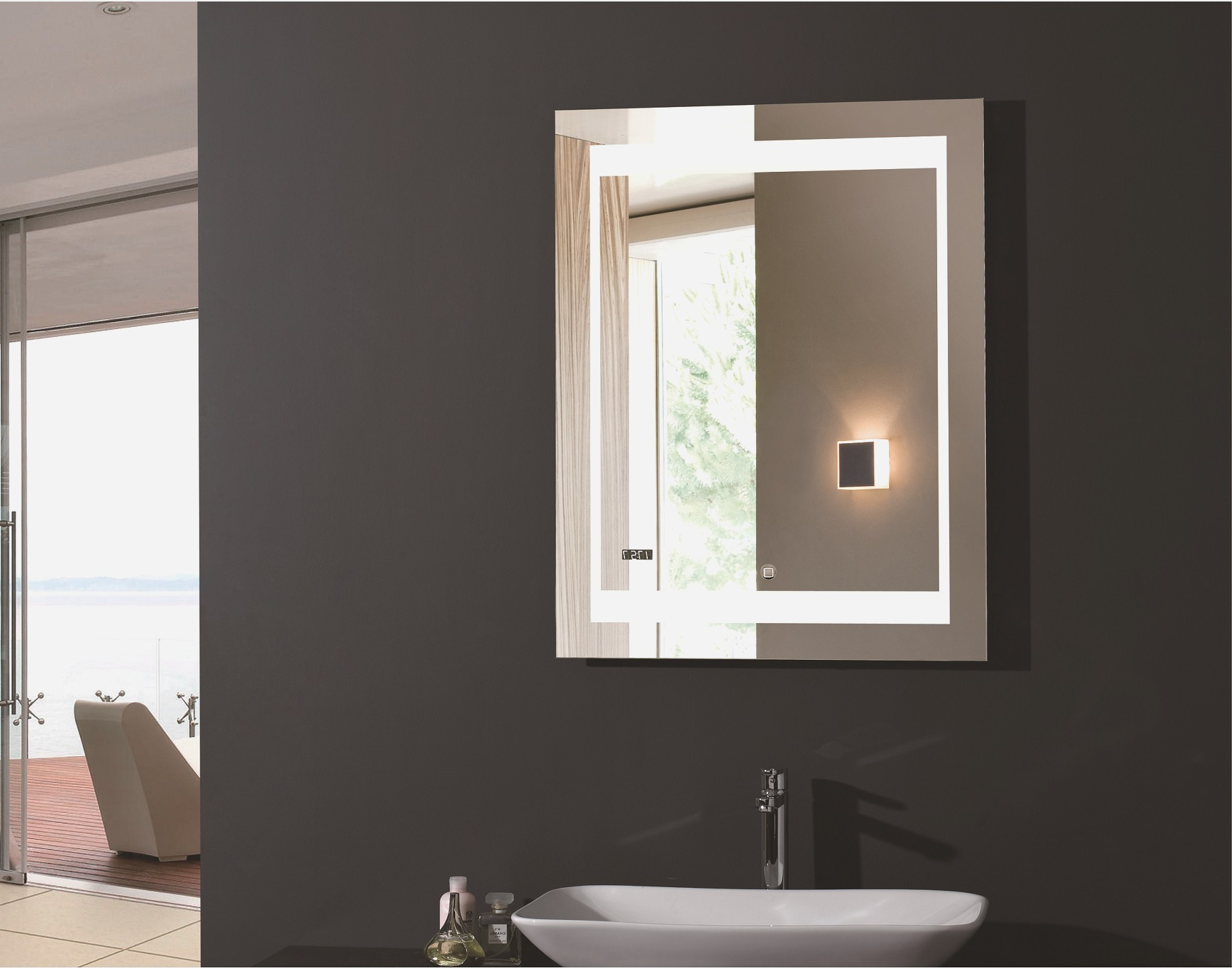 Picture of: Vanity Mirror With Light Bulbs Around It Nuhsyrco intended for proportions 1843 X 1448