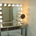 Vanity Set With Lighted Mirror Vanity