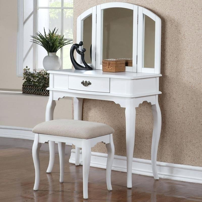 Picture of: Vanity Set With Mirror Furniture