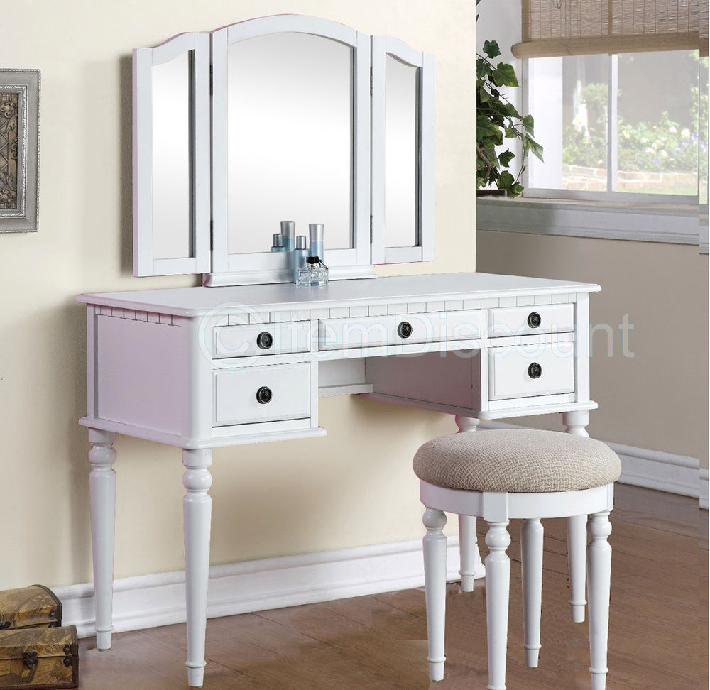 Picture of: White Bedroom Vanity Set Color